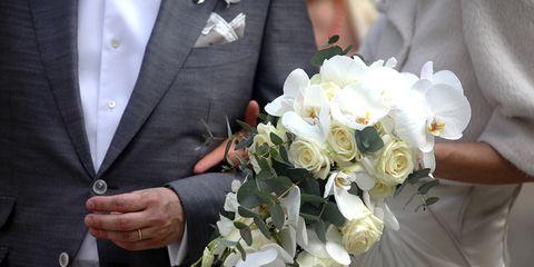 Clothing, Petal, Bouquet, Coat, Collar, Flower, Outerwear, Formal wear, Suit, Cut flowers,
