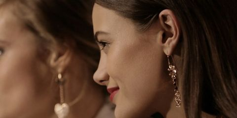 Ear, Nose, Earrings, Lip, Cheek, Hairstyle, Skin, Jewellery, Chin, Forehead,
