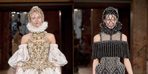 Stile luxury: abiti preziosi come gioielli e tessuti arricchiti di intarsi, pietre, paillettes e cristalli