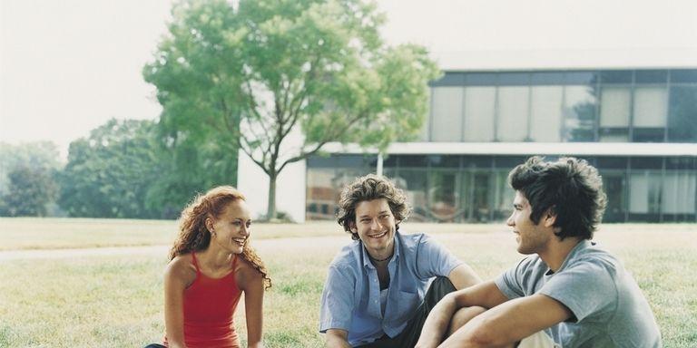 Dating abuso sui campus universitari