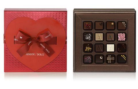 Giri choco, Petal, Chocolate, Rectangle, Confectionery, Dessert, Ribbon, Honmei choco, Sweetness, Paper product,