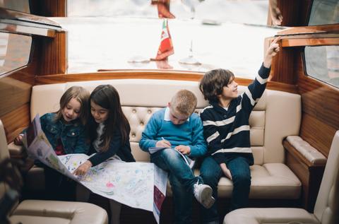 Comfort, Leisure, Passenger, Sitting, Sharing, Lap, Public transport, Living room, Family, Boat,