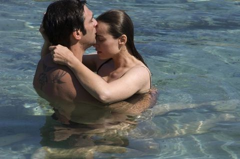 Fun, Romance, People in nature, Interaction, Love, Holiday, Honeymoon, Kiss, Muscle, Gesture,