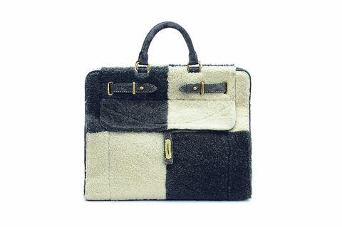 Bag, Style, Shoulder bag, Rectangle, Beige, Khaki, Material property, Leather, Strap, Label,