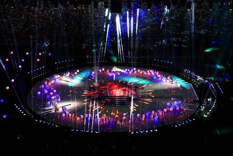 Entertainment, Stage, Purple, Magenta, Music venue, Light, Violet, Darkness, Electricity, Concert,