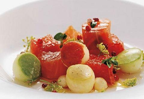 Food, Dishware, Ingredient, Serveware, Dish, Garnish, Produce, Plate, Natural foods, Recipe,