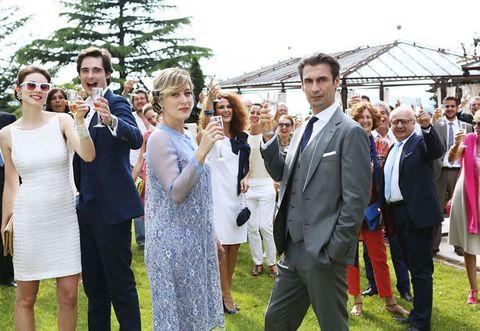 Trousers, Event, Dress, Coat, Suit, Formal wear, Tie, Ceremony, Spring, One-piece garment,