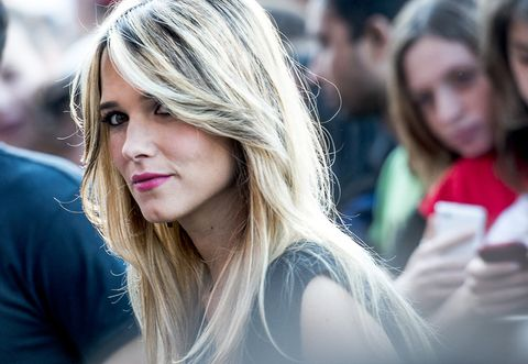 Lip, Mouth, People, Hairstyle, Mammal, Eyelash, Street fashion, Long hair, Youth, Step cutting,