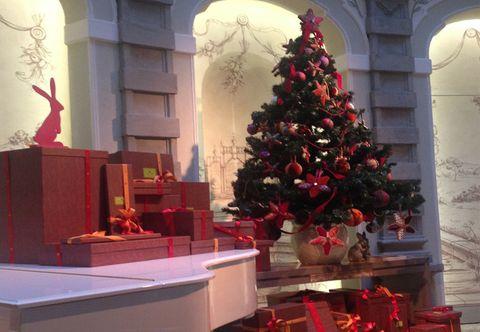 Milano Decorazioni Natalizie.Addobbi Natalizi Etro Crea L Albero Di Natale Per L Hotel