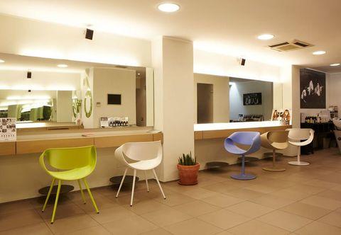 Lighting, Floor, Interior design, Room, Flooring, Furniture, Ceiling, Wall, Interior design, Light fixture,
