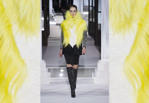 Leg, Yellow, Sleeve, Textile, Outerwear, Style, Street fashion, Knee, Jacket, Fashion,