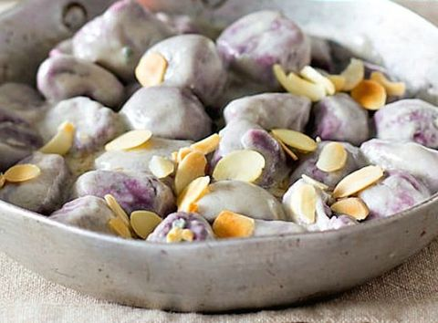 Produce, Ingredient, Food, Purple, Cashew family, Vegetable, Local food, Natural foods, Bowl, Whole food,