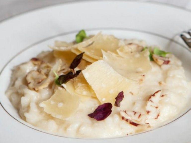 La ricetta del risotto al Parmigiano con castagne è la perfezione assoluta per le domeniche d'autunno