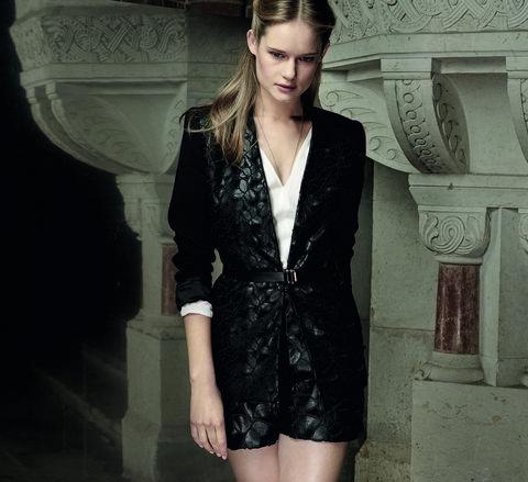 Sleeve, Collar, Shoulder, Style, Fashion model, Fashion, Neck, Beauty, Street fashion, Model,