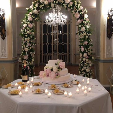 Tablecloth, Textile, Table, Food, Cake, Ingredient, Dessert, Furniture, Linens, Serveware,