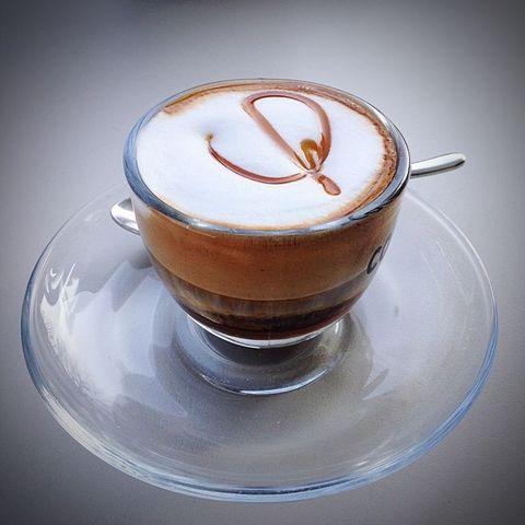 Serveware, Cup, Drinkware, Dishware, Drink, Caffè macchiato, Single-origin coffee, Espresso, Coffee, Tableware,