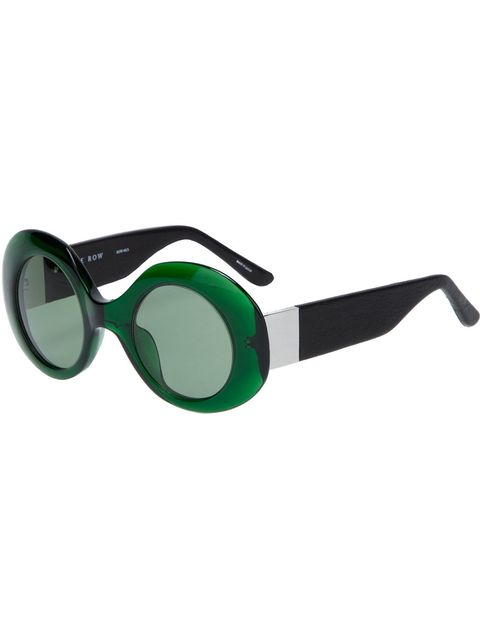 Eyewear, Vision care, Personal protective equipment, Goggles, Costume accessory, Azure, Aqua, Eye glass accessory, Diving equipment, Transparent material,