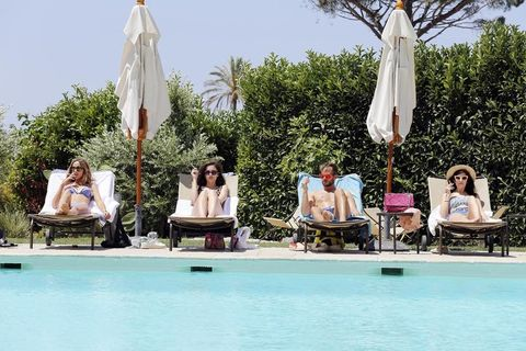 Swimming pool, Leisure, Outdoor furniture, Summer, Sunlounger, Vacation, Resort, Sun tanning, Resort town, Chaise longue,