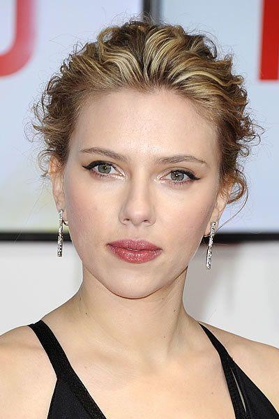 3fc6a98417d Scarlett Johansson: bionda, mora o platino?