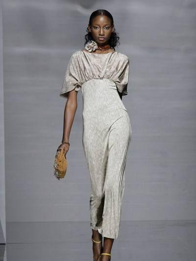 Clothing, Human body, Shoulder, Joint, Style, Fashion model, Knee, Fashion, Neck, Street fashion,