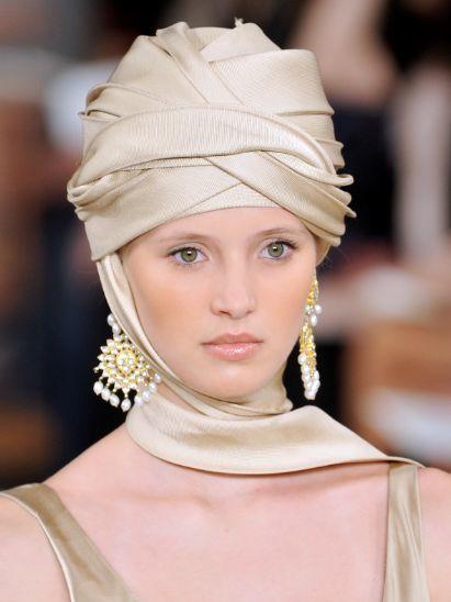 Lip, Eyebrow, Earrings, Style, Hair accessory, Eyelash, Headgear, Fashion accessory, Headpiece, Beauty,