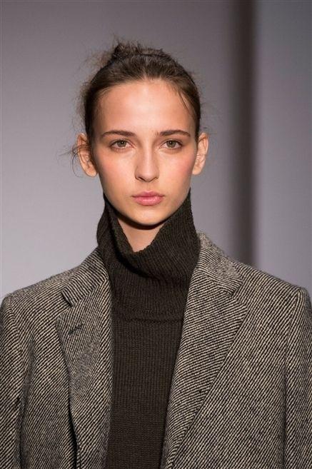 Ear, Lip, Hairstyle, Sleeve, Forehead, Eyebrow, Collar, Coat, Outerwear, Eyelash,