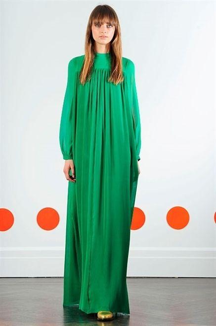 Shoulder, Formal wear, Style, Dress, Fashion, Fashion model, One-piece garment, Street fashion, Model, Long hair,