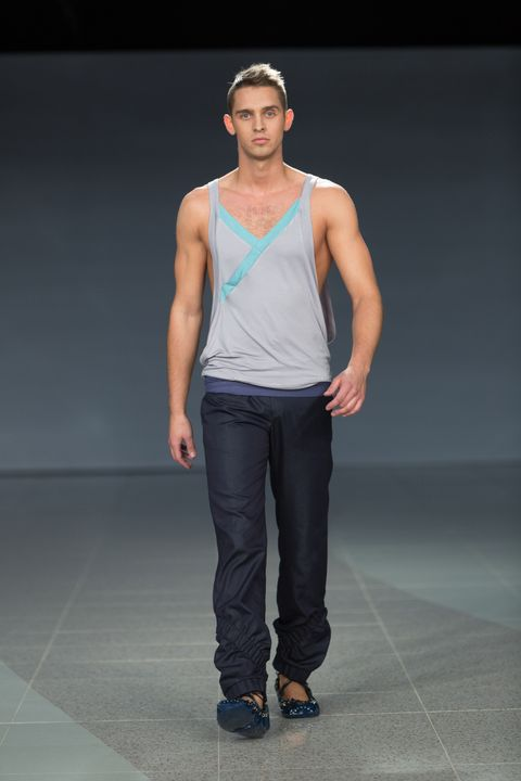 Clothing, Trousers, Human body, Shoulder, Denim, Shoe, Textile, Standing, Jeans, Joint,