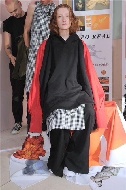 Trousers, Orange, Fashion, Street fashion, Fashion design, Long hair, Shawl, Tights, Scarf, Stole,