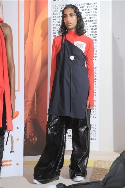 Sleeve, Textile, Style, Fashion, Fashion model, Street fashion, Maroon, Fashion design, Long hair, Pocket,