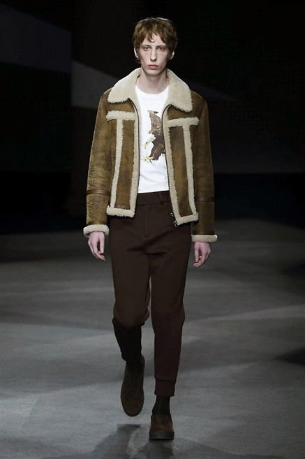 Clothing, Sleeve, Human body, Fashion show, Collar, Joint, Outerwear, Style, Runway, Fashion model,