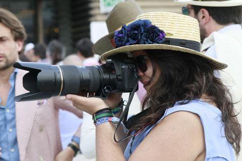 Human, Single-lens reflex camera, Hat, Photographer, Lens, Camera, Digital camera, Cameras & optics, Mirrorless interchangeable-lens camera, Mammal,