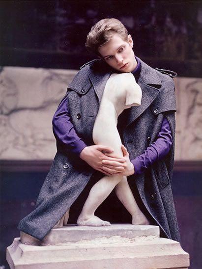 Sculpture, Street fashion, Love, Fur, Overcoat, Statue, Natural material,