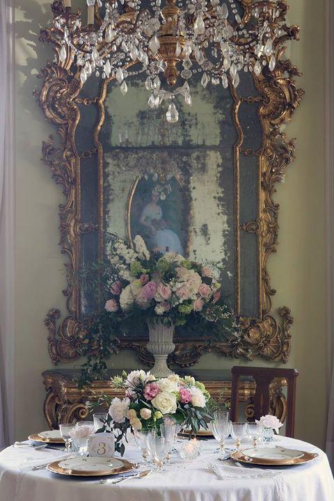 Tablecloth, Serveware, Dishware, Table, Linens, Bouquet, Centrepiece, Stemware, Flower Arranging, Home accessories,