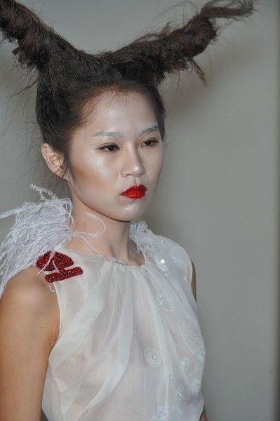 Lip, Hairstyle, Chin, Style, Eyelash, Dress, Headgear, Fashion, Costume accessory, Day dress,