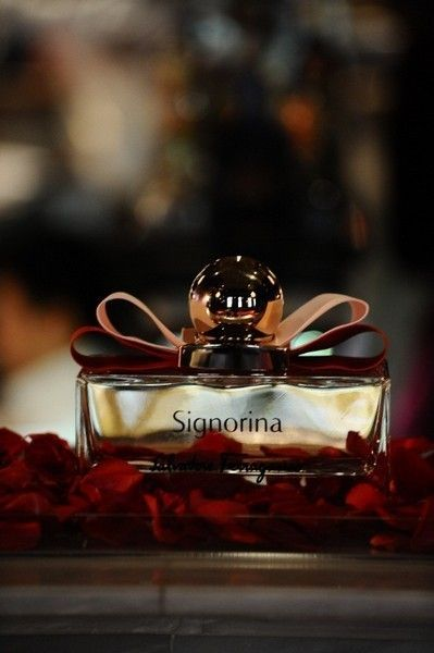 Red, Perfume, Still life photography,