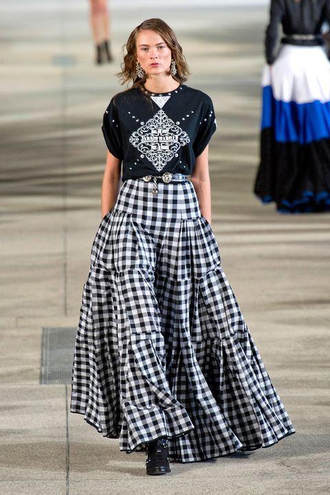Clothing, Blue, Sleeve, Textile, Fashion show, Dress, Formal wear, Style, Street fashion, Pattern,