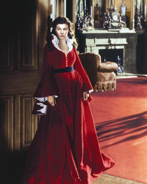 Dress, Gown, Fashion, Costume design, Victorian fashion, Costume, Fur, Vintage clothing, One-piece garment, Velvet,