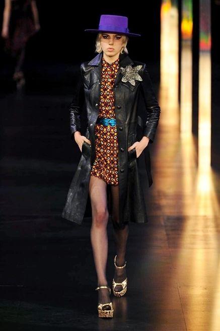 Clothing, Hat, Coat, Jacket, Outerwear, Style, Fashion accessory, Fashion show, Fashion model, Street fashion,