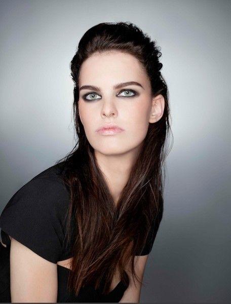 Lip, Cheek, Brown, Hairstyle, Skin, Chin, Forehead, Shoulder, Eyebrow, Photograph,