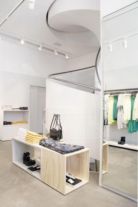 promo code 5f594 914d5 Il primo store COS a Milano: intervista ai due designer svedesi
