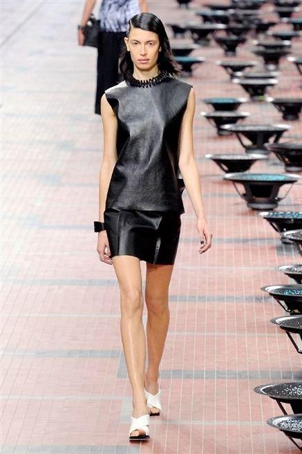 Clothing, Leg, Sleeve, Shoulder, Human leg, Joint, Fashion show, Fashion model, Style, Waist,