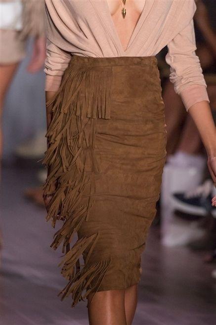 Sleeve, Human leg, Shoulder, Joint, Fashion show, Waist, Collar, Style, Fashion model, Fashion,