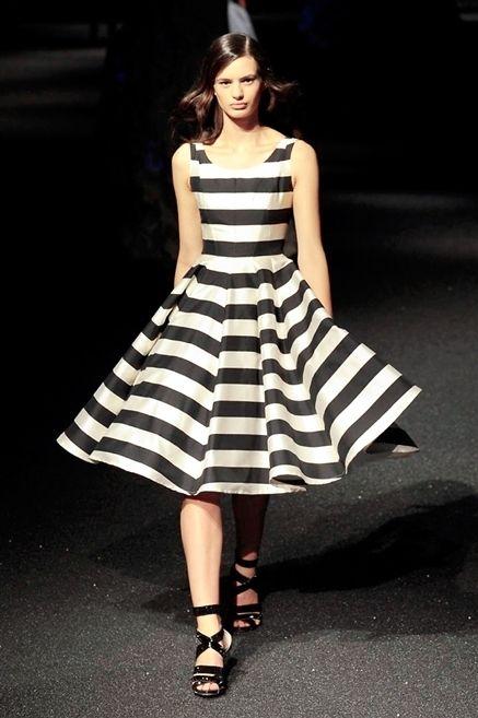 Clothing, Sleeve, Dress, Shoulder, Human leg, White, One-piece garment, Style, Formal wear, Pattern,