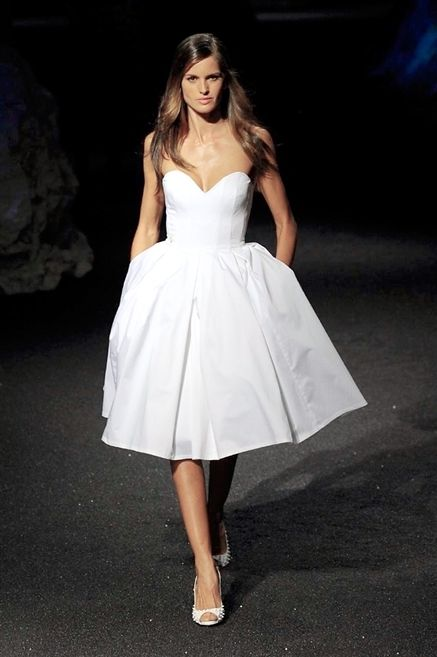 Clothing, Dress, Shoulder, Textile, Joint, One-piece garment, Formal wear, Fashion model, Bridal clothing, Gown,
