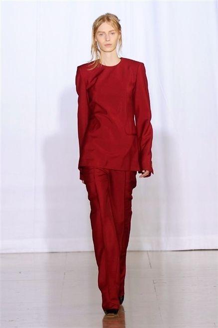 Sleeve, Shoulder, Textile, Joint, Style, Fashion, Waist, Fashion model, Maroon, Lipstick,