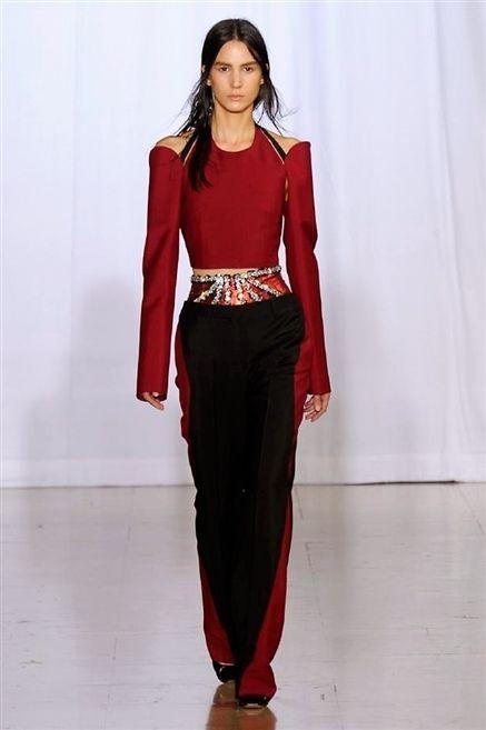 Sleeve, Shoulder, Textile, Joint, Waist, Style, Formal wear, Floor, Fashion model, Fashion accessory,