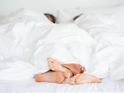 Comfort, Barefoot, Linens, Bedding, Foot, Bed sheet, Toe, Blanket, Bed, Baby,