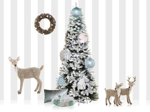 Organism, Branch, Vertebrate, Christmas decoration, Winter, Deer, Christmas tree, Holiday, Interior design, Christmas,