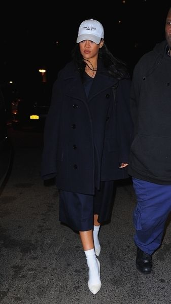 Coat, Sleeve, Standing, Outerwear, Winter, Overcoat, Headgear, Fashion, Street fashion, Electric blue,